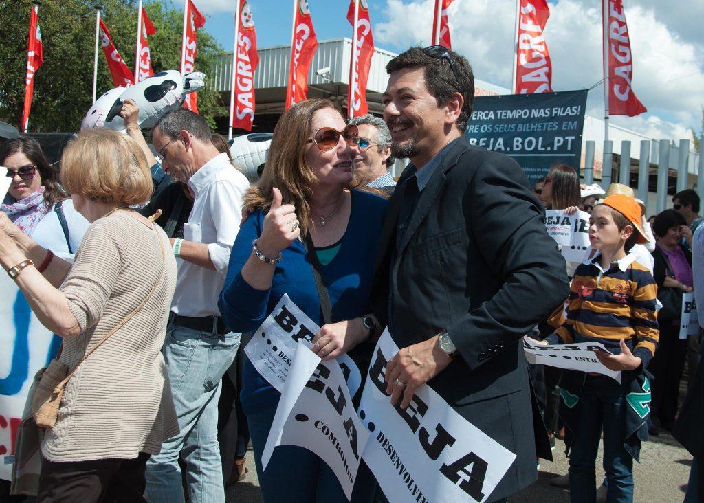Imagem de representantes do Movimento Beja Merece Mais em marcha