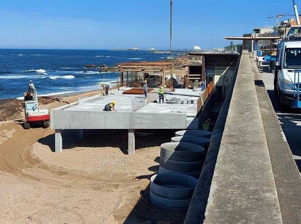 Praia do Ourigo - Construção em Betão